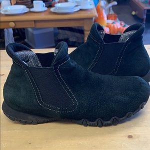 Skechers memory foam bootie